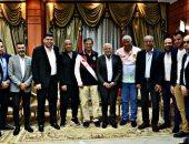 صور.. محافظ بورسعيد يؤكد استمرار دعمة للمصرى والجهاز الفنى الجديد