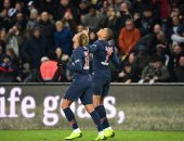 سان جيرمان يتخطى ليل 2 - 1 بالدوري الفرنسي ويكسر رقم توتنهام.. فيديو