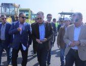 وزير النقل يتفقد أعمال إنشاء طريق داعم للدائرى بطول30 كم وتكلفة 150 مليون جنيه