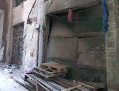 تصدعات وتشققات بالحوائط.. عقاران مهددان بالانهيار فى شارع السلام بمدينة نصر