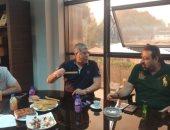 صور..شوبير يعقد جلسة مع عبد الغني ومجاهد فى أول زيارة رسمية