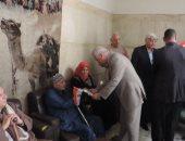 صور.. مدير أمن البحيرة يتفقد دار المسنين بدمنهور