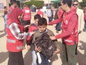توزيع 600 حقيبة مدرسية من الهلال الأحمر على طلبة شمال سيناء