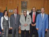 صور.. محافظ الإسماعيلية يستقبل رئيس مجلس أمناء جامعة سيناء لبحث التعاون