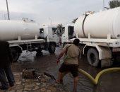 صور.. مجلس مدينة العريش ينتهى من سحب مياه الأمطار من شوارع 8 مناطق