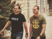 شاهد.. شعارات الموساد وجيش إسرائيل على قمصان أبناء رئيس البرازيل الجديد