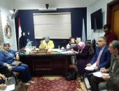 """وكيل """"تعليم كفر الشيخ"""" تناقش العجز والزيادة وتتبنى حملة """"يوم فى حب مصر"""""""