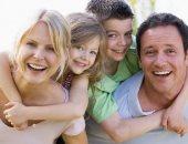 حبيبة أمها.. دراسة تؤكد تفضيل الآباء للأبناء والأمهات للبنات