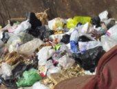 شكوى من تراكم القمامة بشارع المشتل فى أرض اللواء