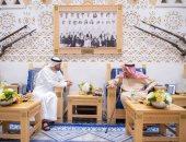 علاقتنا تتعزز كل يوم.. قرقاش يتحدث عن زيارة ولى عهد أبو ظبى للسعودية