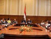 وزير التنمية المحلية يكشف خطته لدعم مشروعات الشباب بتوجيه الرئيس السيسى