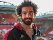 محمد صلاح يهنئ بطل الخماسى الحديث بفوزه بجائزة أفضل لاعب ناشئ فى 2018