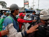 مهاجرو أمريكا الوسطى يواصلون الفرار إلى الولايات المتحدة عبر حدود المكسيك