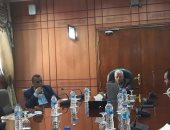 محافظ بورسعيد يناقش استعدادات إنشاء المجمع الصناعى الثانى