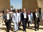 وزير الرى يتفقد السد العالى ورمز الصداقة المصرية الروسية.. صور