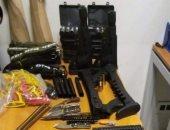 جمارك مطار الغردقة تضبط محاولة تهريب عدد من الأسلحة البيضاء وأجزاء الأسلحة