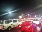 صور..زحام مرورى بطريق الكورنيش بالإسكندرية بسبب الامطار