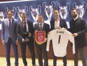 فيديو.. وفد من النادى الأهلى يزور ريال مدريد الإسباني