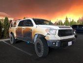 شاهد.. أمريكى ينقل مرضى وسط حرائق الغابات وسيارته تنصهر.. كيف عوضته الشركة؟