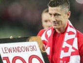 فيديو.. تكريم ليفاندوفسكى فى سقوط بولندا وديا ضد التشيك