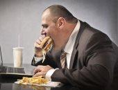 البدناء أقل استمتاعاً بتناول الطعام.. اعرف السبب