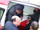 جثمان الشهيد ساطع النعمانى يصل مسجد الشرطة بالشيخ زايد