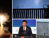 """صور.. العالم هذا الصباح.. الولايات المتحدة تواصل بناء جدار مع المكسيك لمنع تدفق المهاجرين.. إطلاق أول صاروخ من طراز """"سويوز"""" الروسى للفضاء بعد هبوط اضطرارى.. الرئيس الصينى: الحمائية أثرت على النمو العالمى"""