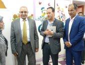 صور.. وكيل تعليم بورسعيد يستقبل لجنة وزارة الصحة تمهيدًا للمسح الطبى لـ 27.7 ألف طالبًا