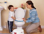 ايه مخاطر الاستعجال فى خلع الحفاض وتدريب الطفل على الحمام؟