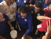"""شاهد.. احتفال المنتخب الأولمبى بـ""""صلاح وطاهر ومحمود"""" بعد ثلاثية تونس"""