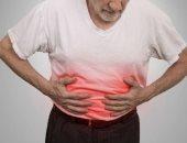 اعراض مرض كرون عديدة منها الإسهال والحمى