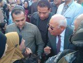 صور.. محافظ بورسعيد يستقبل موكب الطرق الصوفية أمام المسجد العباسى