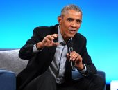 أوباما يسخر من ترامب دون ذكر اسمه.. ويؤكد: يتصرف بطفولية لحرمانه من والدته