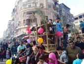 صور.. مسلمون وأقباط يحتفلون بالمولد النبوى بشوارع دسوق بكفر الشيخ