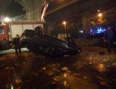 صور.. لحظة انتشال سيارة ملاكى سقطت بترعة المريوطية