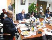 صور.. رئيس جهاز تنمية التجارة الداخلية يجتمع مع السلاسل التجارية لتطوير منافذ التموين