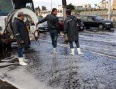 فيديو وصور.. سيارات شفط المياه تنتشر بشوارع القاهرة والجيزة للتعامل مع الأمطار