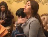 """""""ومين ضامن"""".. غادة رجب تبدع فى إحدى أغنياتها خلال جلسة منزلية """"فيديو"""""""