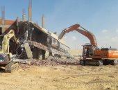 رئيس جهاز مدينة الشروق يقود حملة بها 42 مُعدة لإزالة 9 مبان مخالفة