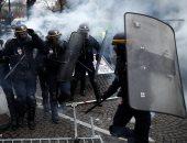 صور.. اشتباكات بين الشرطة الفرنسية ومحتجين على رفع أسعار الوقود فى باريس