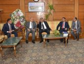 .رئيس جامعة أسيوط: حريصون علي توفير الدعم للطلاب الوافدين بمختلف الكليات