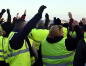 فرنسا تحبط محاولة 40 متظاهرا من السترات الصفراء الوصول للمقر الصيفى لماكرون
