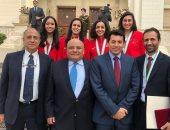 الرئيس السيسي يمنح منتخب سيدات الاسكواش وسام الرياضة من الطبقة الأولى