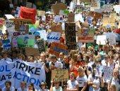 صور.. إضراب فى أستراليا احتجاجا على تقاعس الحكومة بشأن تغير المناخ