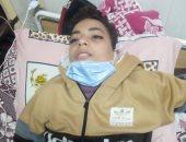صور وفيديو.. والد طفل مصاب بالسرطان يناشد وزيرة الصحة علاجه بمستشفى 57357