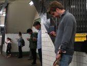 مطالبات برلمانية فى هونج كونج لاستصدار قانون ضد جرائم الهواتف الذكية
