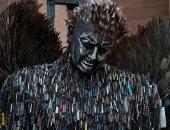 """ملاك السكاكين.. كيف استخدم فنان بريطانى إبداعه لمناهضة العنف """"صور"""""""