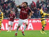 ميلان يقتحم المربع الذهبي في الدوري الإيطالي بثنائية ضد بارما.. فيديو