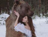 بحيوانات وطيور حقيقية.. حملة لمصورة روسية ضد الصيد الجائر