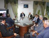 محافظ جنوب سيناء يبحث تطوير منطقة خليج نعمة بشرم الشيخ